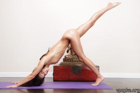 Georgia nude yoga